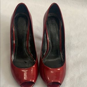 Gianni binni red heels. Size 8M
